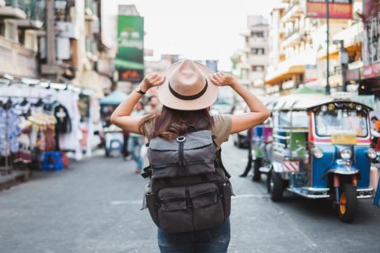 Touriste dans un pays étranger, en voyage